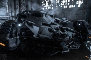 Batmobile-ZackSnyder-660x440