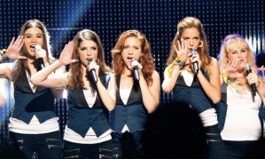 HAILEE STEINFELD, ANNA KENDRICK, BRITTANY SNOW, KELLEY JAKLE & REBEL WILSON  Character(s): Emily, Beca, Chloe, Jessica, Fat Amy  Film 'PITCH PERFECT 2' (2015)  Directed By ELIZABETH BANKS  20 April 2015  SAK40018  Allstar/UNIVERSAL PICTURES    (USA 2015)    **WARNING** This Photograph is for editorial use only and is the copyright of UNIVERSAL PICTURES  and/or the Photographer assigned by the Film or Production Company & can only be reproduced by publications in conjunction with the promotion of the above Film. A Mandatory Credit To UNIVERSAL PICTURES is required. The Photographer should also be credited when known. No commercial use can be granted without written authority from the Film Company.