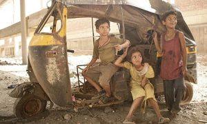 Child-stars-of-Slumdog-Mi-001