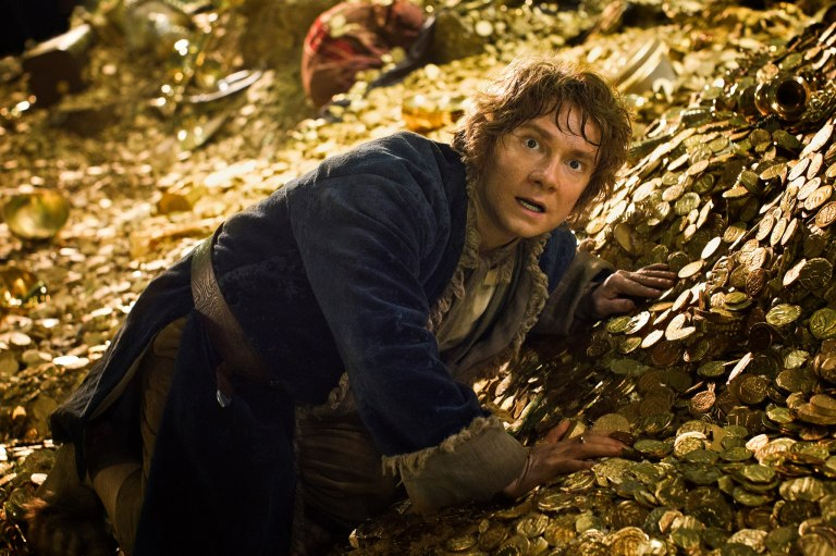 Bilbo-in-Lonely-Mountain-the-hobbit-the-desolation-of-smaug-33417998-2048-1365