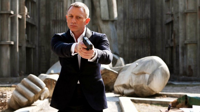 daniel-craig-in-skyfall-wallpaper_2143263592